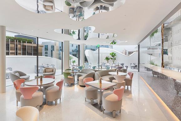 DIOR 韩国首尔旗舰店:柔软的未来主义风格